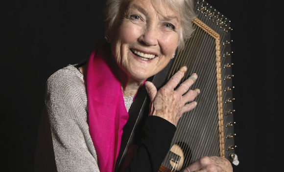 Peggy Seeger & Autoharp by Vicki Sharp Photography small copy
